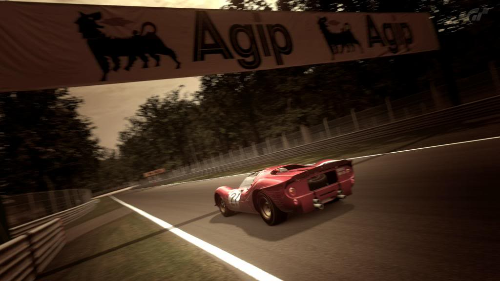 15 Monza - Ferrari 330 P4 AutodromoNazionalediMonza_5_zpsa8246d55