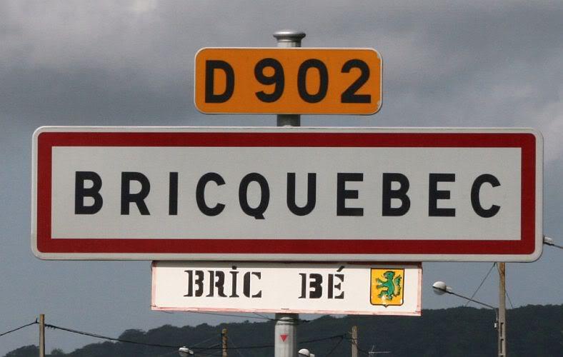 Photo... double signalisation des villes et villages. Fete2007_000