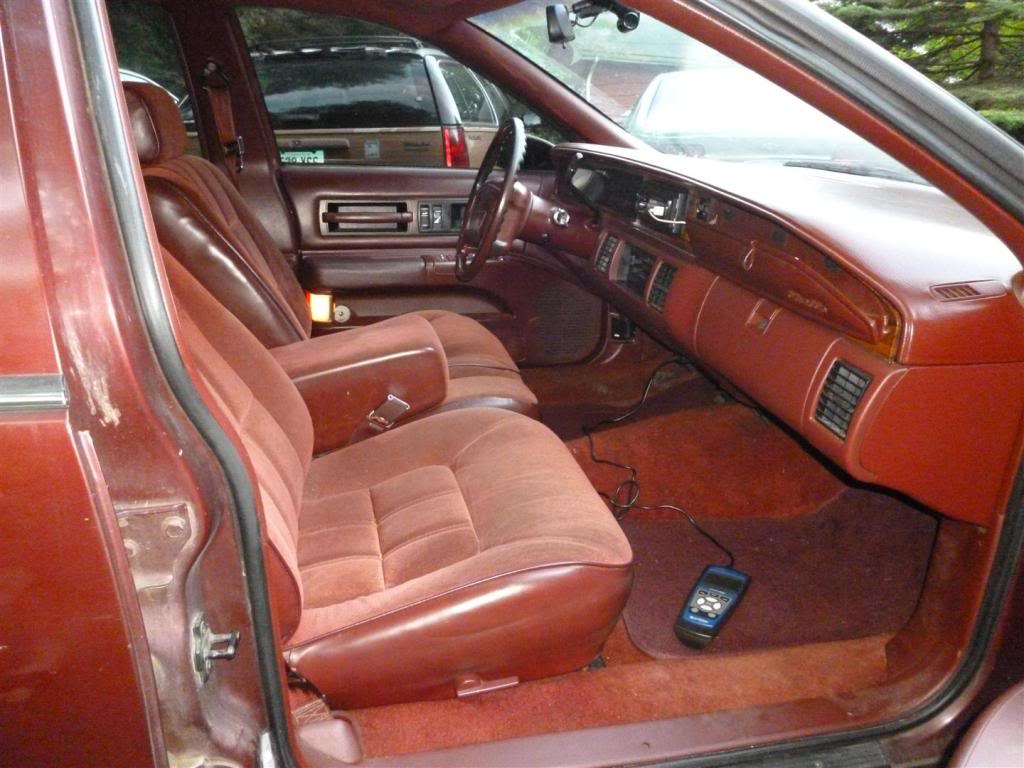 1991 Olds Custom Cruiser Seat1