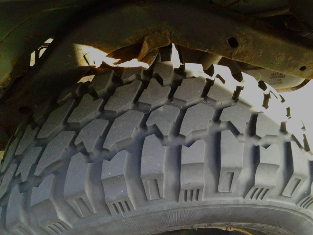 "33"" tires!  0424121713"