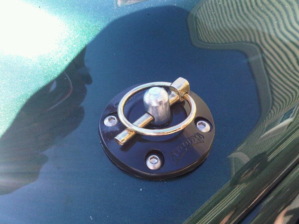 TJ Hood pin installation & write-up. IMG01585-20120321-1327