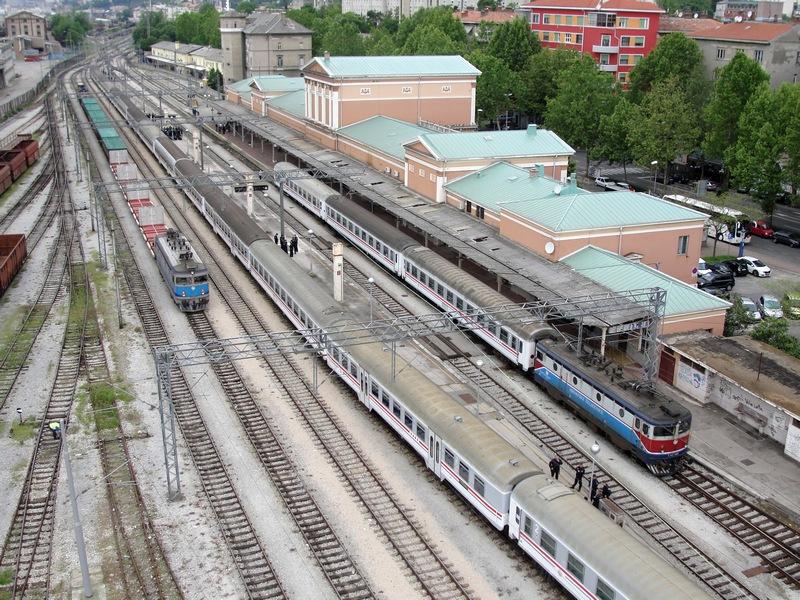 Navijački vlakovi Bijelivlak2