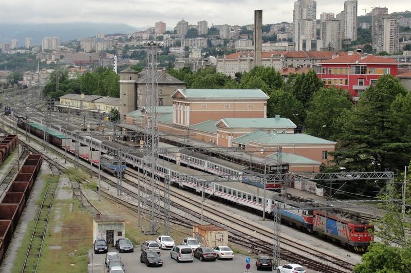 Navijački vlakovi Bijelivlak3