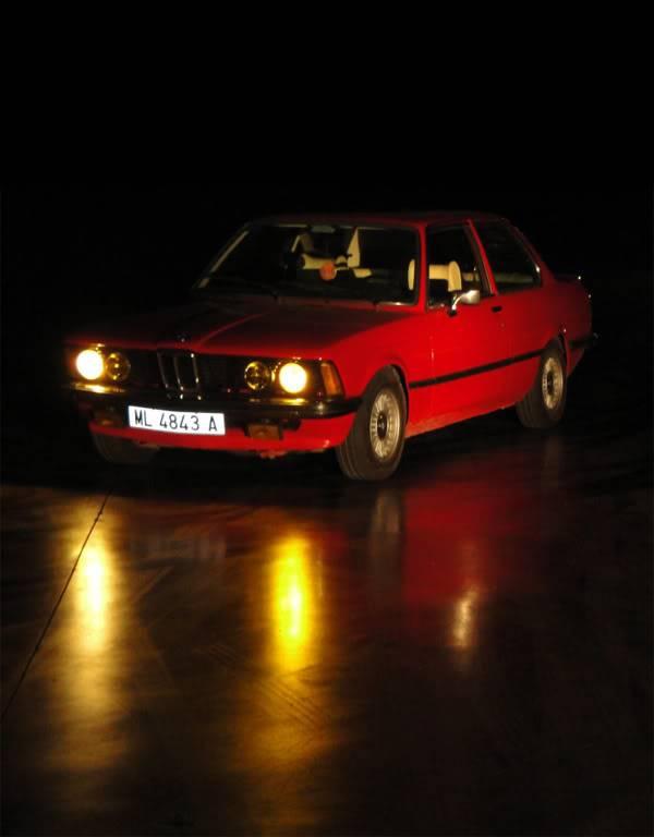 BMW 320i E21 1
