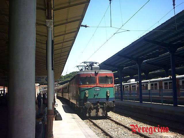 Lokomotive-Vozovi - Page 2 E52511