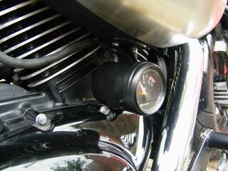 Volt meter installed on Suzuki M50 DSCF2157
