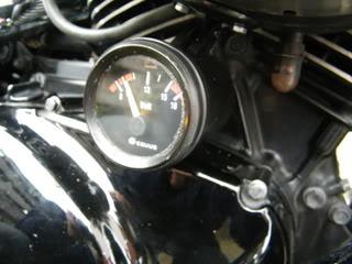 Volt meter installed on Suzuki M50 DSCF2161