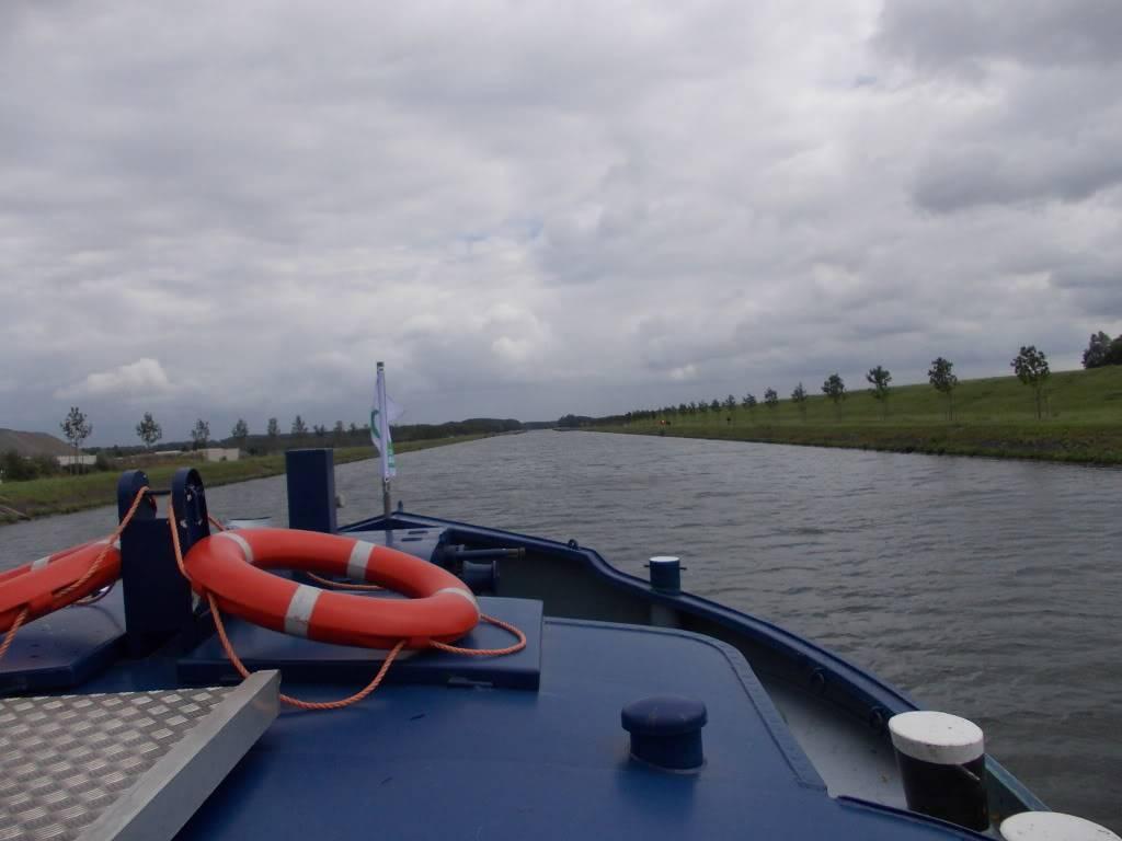 Visite du Canal du Centre historique le dimanche 17 juillet - Page 2 DSCN1001