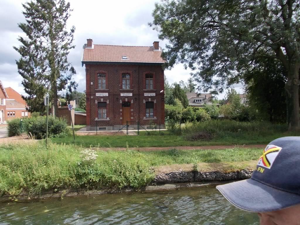 Visite du Canal du Centre historique le dimanche 17 juillet - Page 5 DSCN10411280x768