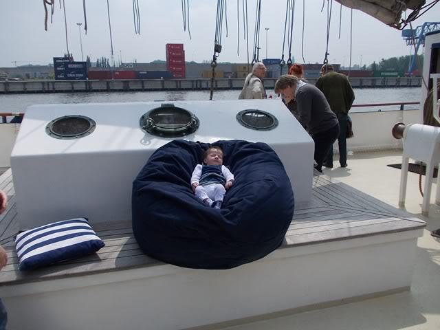 Fête du port du Bruxelles le 20.05.2012 - Page 3 DSCN2327640x480
