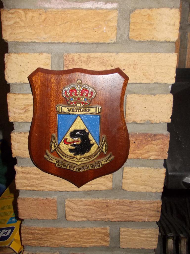 F911 WESTDIEP : Crest, badges, autocollants, peintures,...   DSCN5672