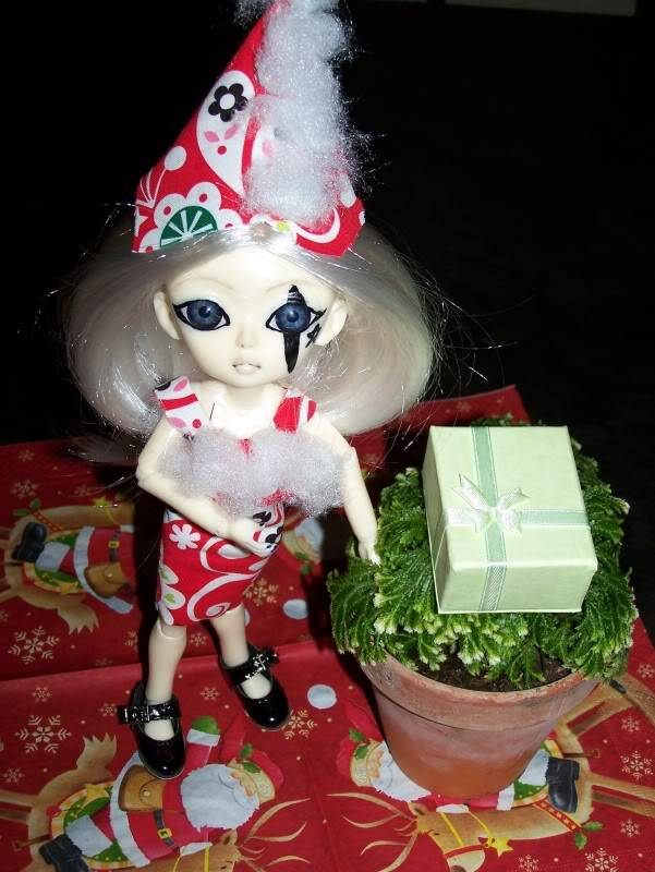 Christmas photo contest - PICS - CONTEST FINISHED Poupee2