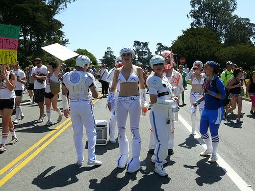 some bay 2 breakers pics... 3540888889_6834a68b26