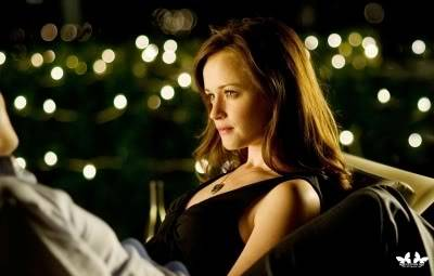 Apartments and Condos - Page 3 The-Good-Guy-Stills-alexis-bledel-13559683-400-255