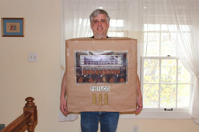 So I went as a Philco console to a Halloween party IMG_05941_zpscsdhkwiq
