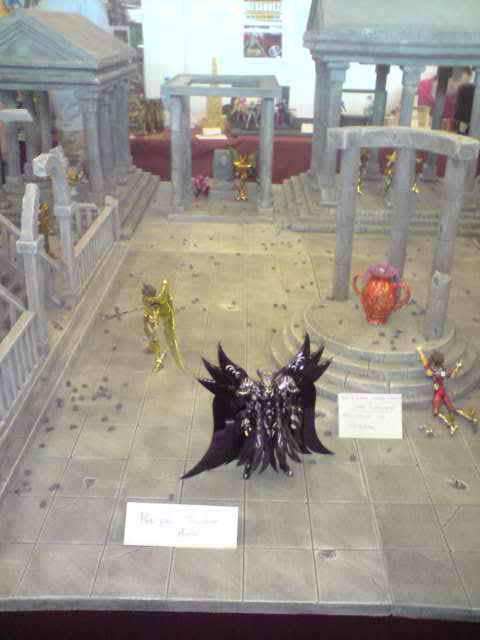 des diorama de folie et une armure geante au JAPAN EXPO 2009 P050709_1415