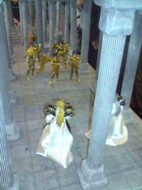 des diorama de folie et une armure geante au JAPAN EXPO 2009 P050709_1417