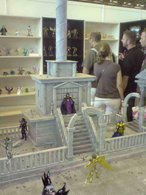 des diorama de folie et une armure geante au JAPAN EXPO 2009 P050709_141803