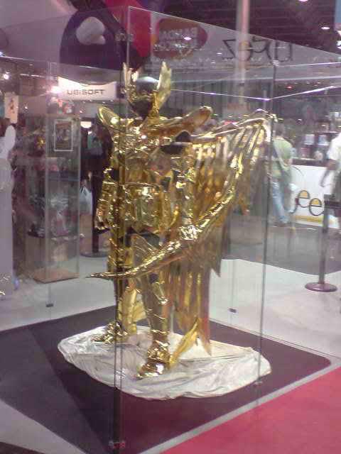 des diorama de folie et une armure geante au JAPAN EXPO 2009 P050709_1732