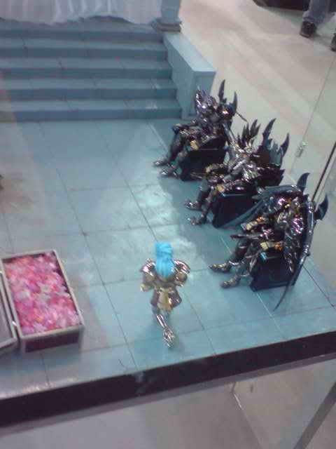 des diorama de folie et une armure geante au JAPAN EXPO 2009 P050709_173201