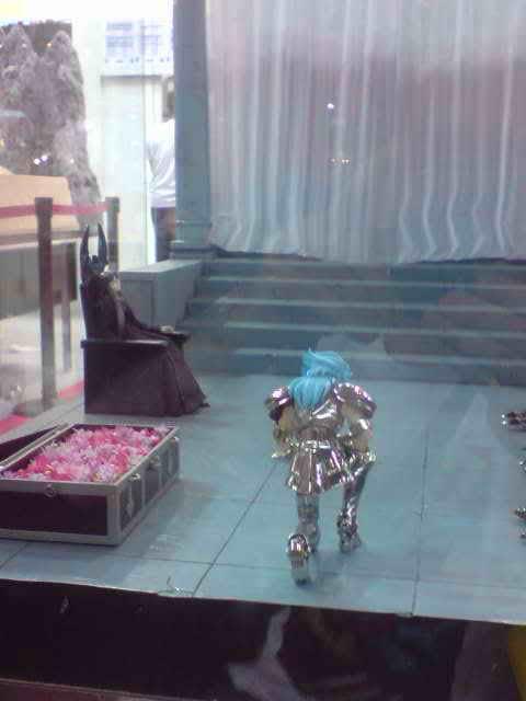 des diorama de folie et une armure geante au JAPAN EXPO 2009 P050709_173202