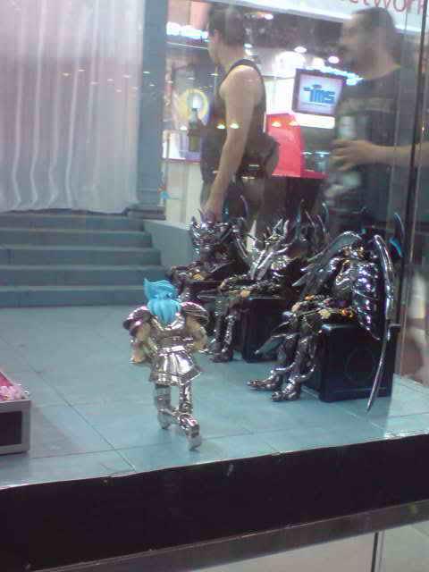 des diorama de folie et une armure geante au JAPAN EXPO 2009 P050709_1733