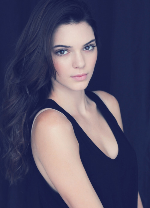 Kendall Jenner/კენდალ ჯენერი - Page 11 03030e369851ded45a4d8d5c626f42d7