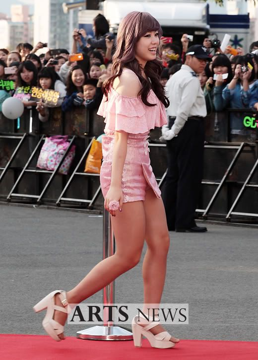 SECRET en la alfombra roja del Dream Concert 2011 2271_L_1317629478-1