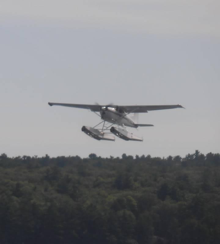 Plane crash in the lake P8050098-001_zps6572c1f7