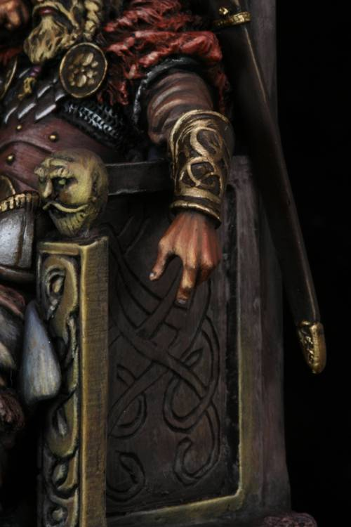 Terminé : Seigneur Nordique - Page 2 Close2