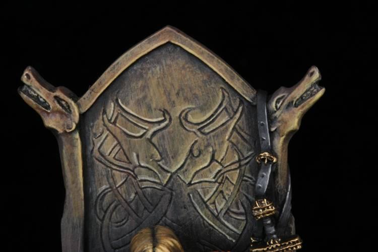 Terminé : Seigneur Nordique - Page 2 Close3