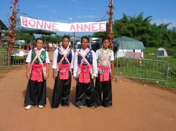 Les costumes traditionnels Hmong2