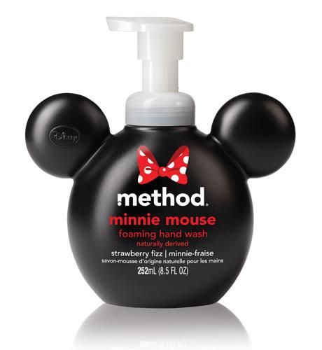 Regardez ce que j'ai trouve aujourd'hui chez Pharmaprix trop cute Mickey et Minnie MinnieHW_strawberryfizz