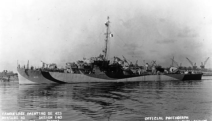 FOTOGRAFÍAS Y FICHAS QUE INTEGRAN LA HISTORIA. - Página 11 USS%20Dufilho%20DE-423_tres
