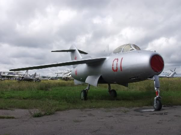 Copias descaradas de proyectos militares. Lavochkin_La_15_uno
