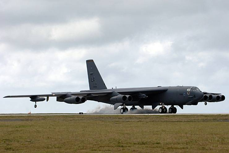 PROYECTOS INCONCLUSOS DE LA AERONÁUTICA ALEMANA DE LA S.G.M. - Página 9 BoeingB-52Stratofortress_cuatro