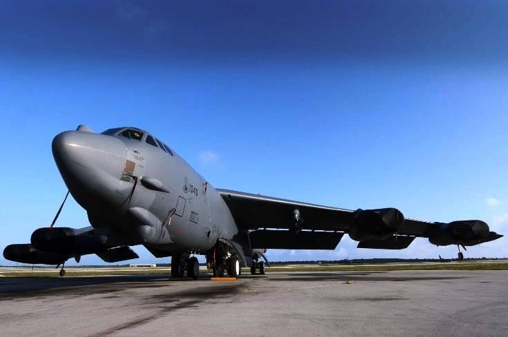 PROYECTOS INCONCLUSOS DE LA AERONÁUTICA ALEMANA DE LA S.G.M. - Página 9 BoeingB-52Stratofortress_dos