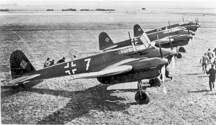 PROYECTOS INCONCLUSOS DE LA AERONÁUTICA ALEMANA DE LA S.G.M. - Página 9 Focke_wulf_fw_187_picture_seis_new