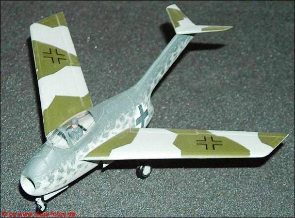 Copias descaradas de proyectos militares. Focke_wulf_fw_ta_183_maqueta_tres
