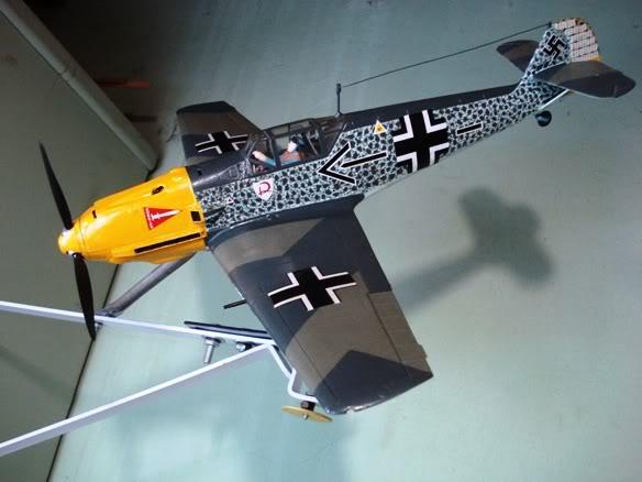 ALGUNAS MAQUETAS QUE TENGO ARMADAS Maqueta_messerschmitt_Bf109E_dos