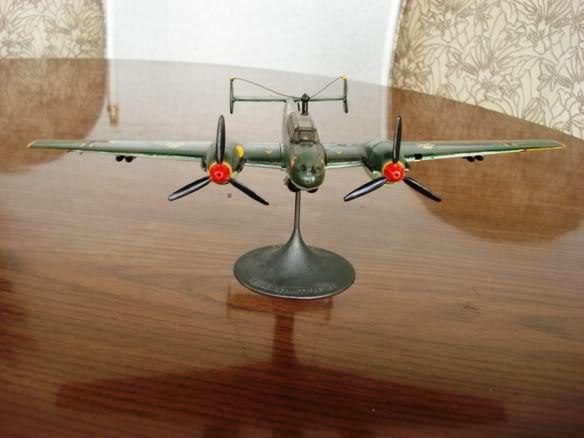 ALGUNAS MAQUETAS QUE TENGO ARMADAS Maqueta_messerschmitt_Bf110E_dos