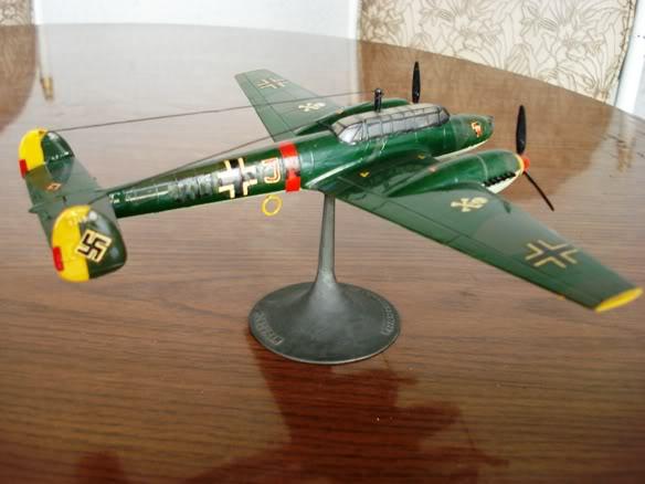 ALGUNAS MAQUETAS QUE TENGO ARMADAS Maqueta_messerschmitt_Bf110E_tres
