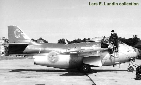 Copias descaradas de proyectos militares. Saab_29_tunnan_dos