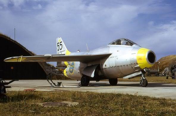 Copias descaradas de proyectos militares. Saab_29_tunnan_uno