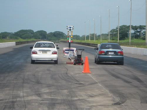 Carreras en el raceway park (Guatemala) 5-40