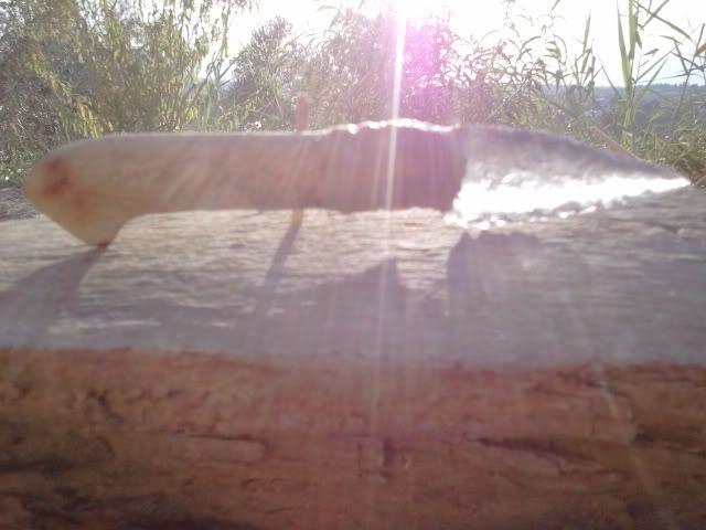Cuchillo con hoja de cristal reciclado. 2011-08-17194151