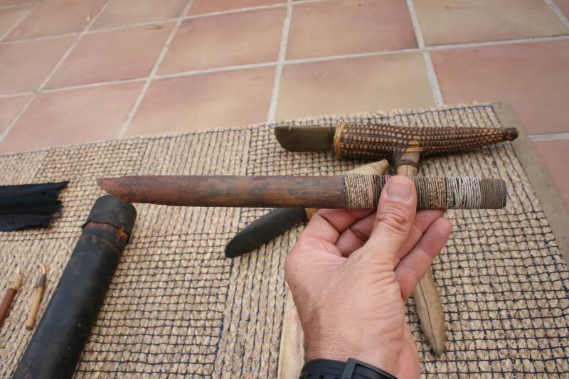 Cuchillo de bambú y cuchillo de hueso. IMG_8087