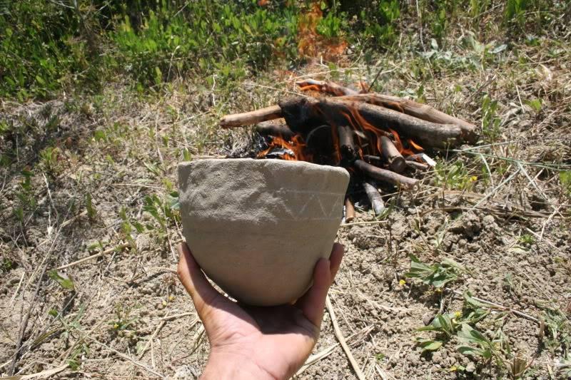 Cociendo cerámica. Imagen947
