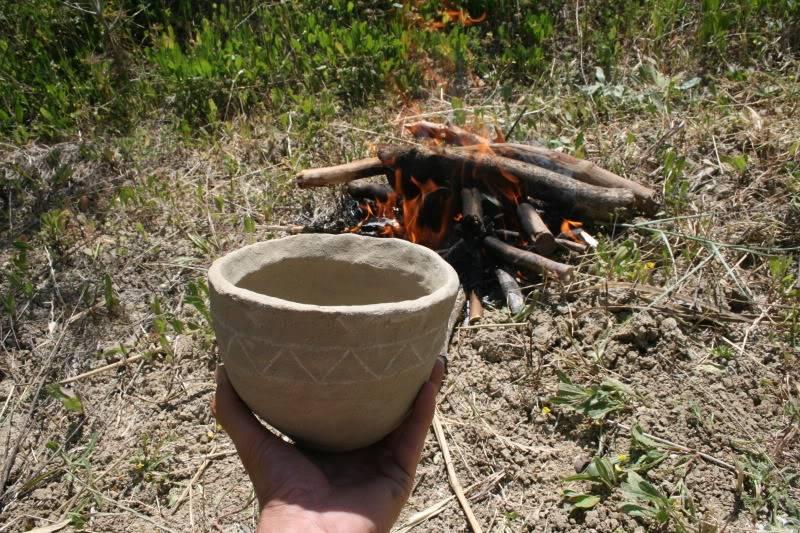 Cociendo cerámica. Imagen948