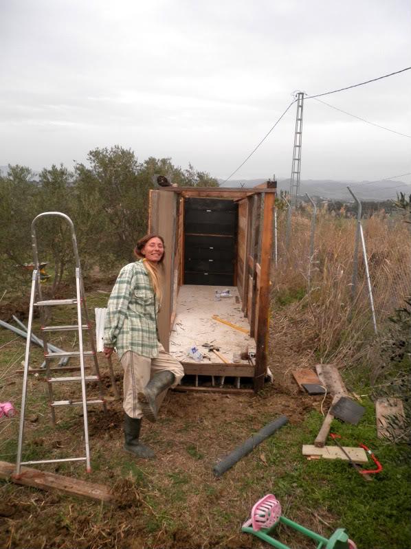 Montando el gallinero, por fin. PC170054